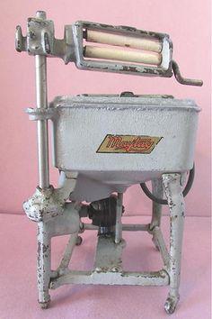 Vintage Cast Iron HUBLEY MAYTAG Wringer Washing Machine Salesman Sample