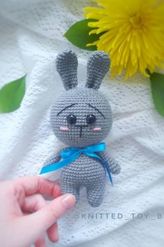 Amigurumi related to each other, we continue to share with each other. In this article amigurumi bunny free crochet pattern is waiting for you. Knitted Bunnies, Crochet Turtle, Knitted Teddy Bear, Crochet Bunny Pattern, Crochet Rabbit, Free Crochet, Animal Knitting Patterns, Crochet Toys Patterns, Amigurumi Patterns