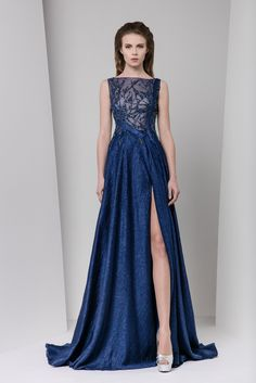 Tony Ward Fall Winter 2016/17: Blue stunner!