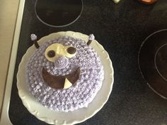 Monster cake-using butter cream and a star tip.  Eyes and mouth are made of chocolate