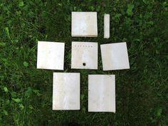 Kapp planken i 7 biter, inkludert en liten bit som skal brukes på undersiden av lokket for å holde det på plass. Foto: Tor Bollingmo.