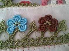 This Pin was discovered by Hat Crochet Unique, Crochet Lace Edging, Thread Crochet, Border Pattern, Needle Lace, Indian Designer Wear, Needlepoint, Tatting, Diy And Crafts