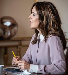 """Crown Princess Mary attended a meeting with DRC's new secretary general Charlotte Slente and DRC's Chair Agi Csonka. The Crown Princess was informed about the general refugee situation. The Crown Princess is the patron of Danish Refugee Council."