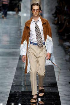 Sfilata Moda Uomo Fendi Milano - Autunno Inverno 2019-20 - Vogue b4dcac0ace57