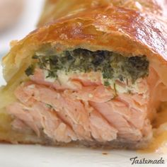Fish Discover Herb Coated Salmon in Puff Pastry If you like baked salmon youll love this warm herby version. The delicious flaky crust and flavorful creamy center is to die for! Baked Salmon Recipes, Fish Recipes, Seafood Recipes, Cooking Recipes, Healthy Recipes, Cooking Tips, Cooking Videos, Fish Cakes Recipe, Halibut Recipes