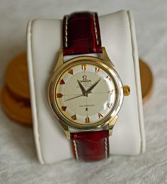 Vintage Omega Constellation Waffle Dial #Omega #Constellation #Menswear #Gold #Chronometer #Watches #Vintage #Watchporn - omegaforums.net