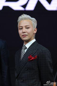 i bleed black and yellow  : fckyeahgdragon:   160425 G-Dragon - Hyundai Show...