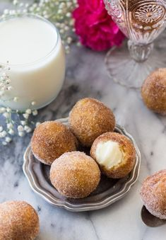 Inside Out Cinnamon Roll Donut Holes - Inside Out Cinnamon Roll Donut Holes — via SugarSpunRun The Effective Pictures We Offer You About - Donut Recipe No Yeast, Donut Hole Recipe, Yeast Donuts, Fried Donuts, Cinnamon Donuts, Donut Recipes, Cinnamon Rolls, Doughnuts, Yummy Recipes