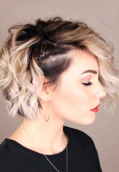 20 Lovely Short Haircut Ideas Get ready for a protracted, hot summer by selecting a makeover from the newest short hairstyles for ladies &women here! Modern Bob Haircut, Cute Bob Haircuts, Pixie Bob Haircut, Latest Short Hairstyles, Easy Hairstyles, Short Hair Cuts, Short Hair Styles, Bobs For Thin Hair, Hair Bobs