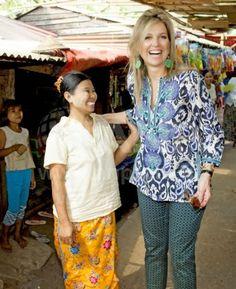 Queens & Princesses - Queen Maxima visits a local market using microfinance