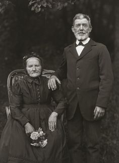 August Sander. Farming Couple – Propriety and Harmony. 1912.