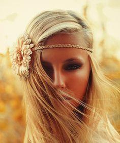 natural make up with smokey eye and straight hair