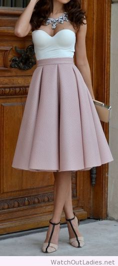 Lovely trending swing skirt look, the top and the skirt are amazing
