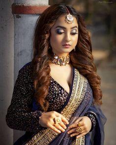 Beautiful Saree, Beautiful Bride, Beautiful Ladies, Indian Bridal Photos, Bengali Bridal Makeup, Cute Photography, Elegant Saree, Indian Celebrities, Culture
