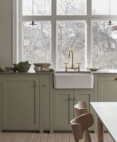 Nordiska Kök - The Classic Shaker kitchen is the natural heart of this beautiful home. Handmade in our carpentry in Gothenburg and handpainted in a pale sage green color, with a limestone countertop. More kitchen inspiration visit www. Kitchen Interior, Kitchen Inspirations, Shaker Kitchen, Kitchen Design Small, Kitchen Cabinets, Kitchen Remodel, Nordic Kitchen, Kitchen Fittings, Rustic Kitchen