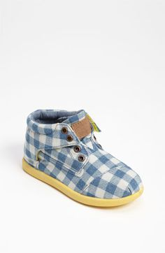 TOMS 'Jamison Botas' Boot (Baby, Walker & Toddler) they come so tiny! Want them