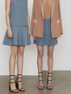 DKNY Pre-Fall 2014.  Models and a pretty vibe