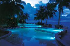 #pool -Royal Island Maldive www.ideeperviaggiare.it | Flickr - Photo Sharing!
