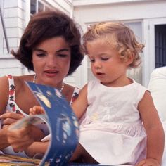 Jacqueline and Caroline Kennedy, 1959