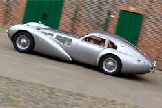 Devaux Coupe, an Australian automobile released by Devaux Cars Pty Ltd in Art Deco Car, Roadster, Weird Cars, Unique Cars, Amazing Cars, Hot Cars, Maserati, Bugatti, Exotic Cars