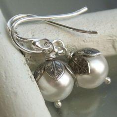 Flower bud pearl earrings Swarovski Crystal por KGarnerDesigns, $16.00