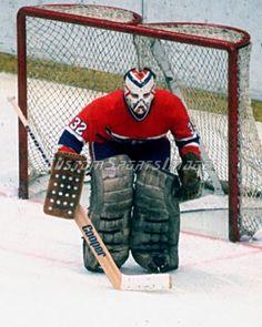 Denis-Herron-Photo-Montreal-Canadiens-8x10 Hockey Logos, Hockey Goalie, Ice Hockey, Hockey Players, Montreal Canadiens, Hockey Shot, Boxing History, Goalie Mask, Pittsburgh Penguins Hockey
