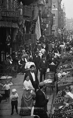 U.S. Gilded Age Italian Immigrants at Mulberry Street, New York City, c.1900