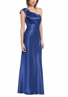 blue formal dresses | Royal blue prom dresses is used in a major event in the palace.