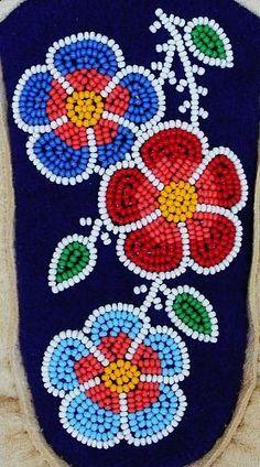 Delina White, Leech Lake Band of Ojibwe, is a traditional Anishinaabe / Ojibwe W. - Delina White, Leech Lake Band of Ojibwe, is a traditional Anishinaabe / Ojibwe Woodland floral desi - Indian Beadwork, Native Beadwork, Native American Beadwork, Powwow Beadwork, Native American Moccasins, Diy Bordados, Bordados Tambour, Native Beading Patterns, Beadwork Designs