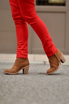 Tan boots outfit