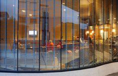 Langrehotel cuenta con cafetería abierta desde las 7.00 am donde puedes degustar pinchos, platos combinados, bocadillos y sandwiches