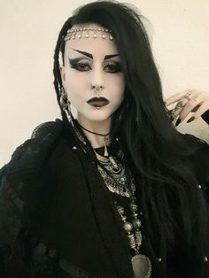 Trad goth style makeup