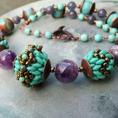 "http://gianelle.beadforum.cz/ Superduo + Matubo ""zig zag"" beaded beads"