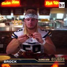 NFL Linebacker eats 21,396 calories in 43 minutes (: Jethro Ames)