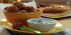 Κροκέτες κοτόπουλου με σάλτσα γιαουρτιού Greek Recipes, Dessert Recipes, Desserts, Main Dishes, Pudding, Favorite Recipes, Sweets, Chocolate, Eat