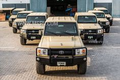 New Toyota land Cruiser 79 series ready for export . Toyota Fj40, Toyota Fj Cruiser, Toyota Trucks, Daihatsu, Cool Trucks, Cool Cars, Land Cruiser 70 Series, Pick Up, Expedition Vehicle