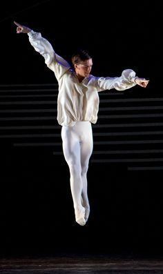 Birmingham Royal Ballet - Dante Sonata: Joseph Caley as a Child of Light; photo: Bill Cooper