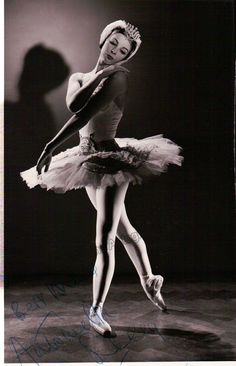 British prima ballerina (b.1939), signed photo, shown in performance. Size is 3.5 x 5.25 inches, in excellent condition.