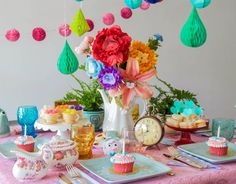 From decorations to recipes to crafts, you'll find the perfect party inspiration for your Alice in Wonderland celebration! Baby Shower Gift Basket, Baby Shower Gifts, Alice In Wonderland Tea Party, Baby Shower Cupcakes, Mad Hatter Tea, Party Themes, Party Ideas, Perfect Party, Party Hats