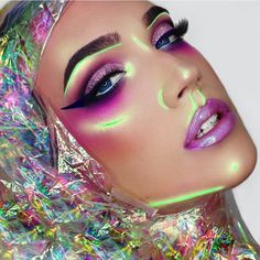 """""""HOLOGRAPHIC  In a world of her own   Eyes: @lashesbylena """"nola"""" glitter  #lashesbylena monroe lashes  #suvabeauty cupcakes and monsters palette…"""""""