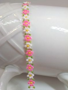 Daisy Bracelet, Dainty Seed Bead Flower Bracelet, Floral Jewelry Gift, Small to Plus Size Seed Bead Bracelet in Pink and White Daisy от AlleywayBeadingSeed Bead Bracelet in Pink and White Daisy от AlleywayBeading Daisy Bracelet, Bracelet Crafts, Seed Bead Bracelets, Beaded Jewelry Patterns, Bracelet Patterns, Beading Patterns, Bracelet Sizes, Bead Jewellery, Seed Bead Jewelry