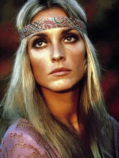 Sharon Tate - Pink Boho, Hippie style, Bohemian Look 70s Hippie, Hippie Love, Hippie Style, Boho Hippie, Bohemian, Rave Music, Sharon Tate Pictures, Coachella, Flower Power
