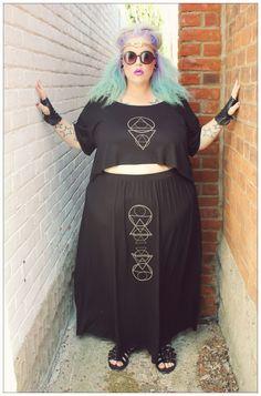 Pin on aesthetic Plus Size Grunge, Plus Size Goth, Fat Fashion, Curvy Fashion, Plus Size Fall Fashion, Autumn Fashion, Curvy Girl Outfits, Plus Size Outfits, Alternative Outfits