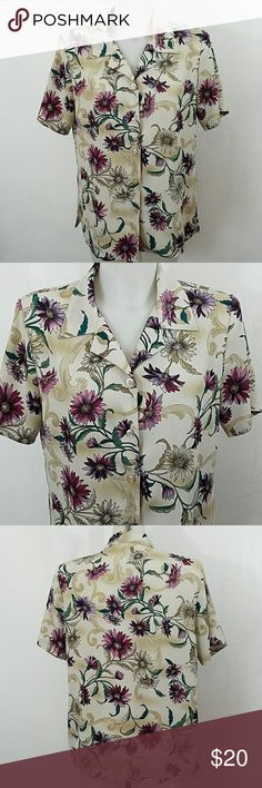 "Beautiful Floral Print Blouse Beautiful Floral Print Blouse. In great condition. Size 16. Bust 42"" Length 27"" Tops Blouses"