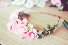 Image uploaded by Nzeik. Find images and videos about pretty, hair and pink on We Heart It - the app to get lost in what you love. Diy Flower Crown, Flower Crown Hairstyle, Flower Crowns, Flower Girls, Pinterest Design, Flowers In Hair, Pink Flowers, Flower Hair, Wedding Flowers