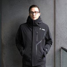 Descente Allterrain Streamline Hooded Shell Jacket