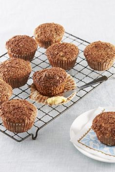 Feijoa Bran Muffins Recipes For Food Lovers Including Cooking - Food and drink Muffin Recipes, Baking Recipes, Cake Recipes, Microwave Recipes, Pudding Recipes, Crunch Recipe, Crumble Recipe, Chocolate Courgette Cake, Passionfruit Recipes