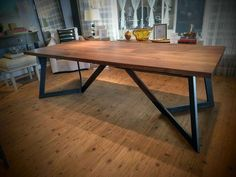 37 Comfy Diy Dining Table Ideas - Home Decor Dining Table Height, Concrete Dining Table, Dining Room Table Decor, Dining Table Legs, Diy Table, Table Desk, Dining Rooms, Slab Table, Wooden Dining Table Designs