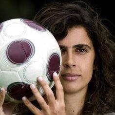 Helena Costa, première femme entraîneur d'un club professionnel en France