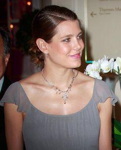 Carlota Casiraghi, una radiante y solidaria premamá en Montecarlo